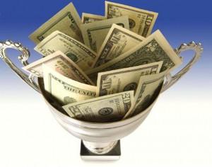 ваза с деньгами 2 300x236 Ограничивающие убеждения о деньгах и как от них избавиться